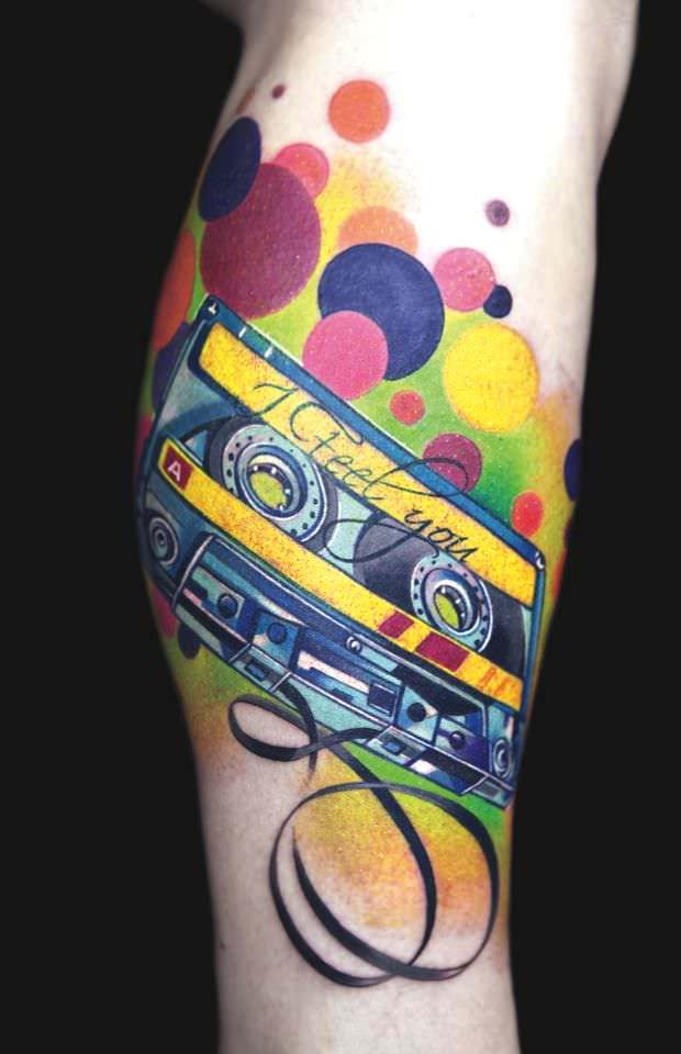 Ivana Belakova tattoos a casette tape to symbolize her clients love of music
