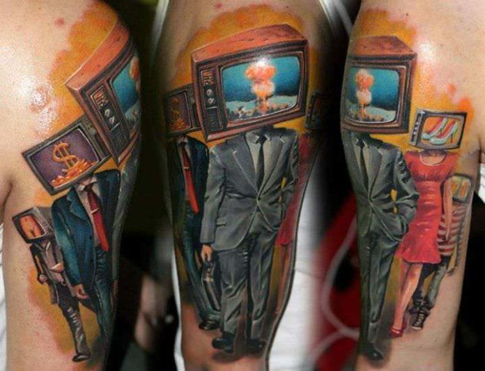 A crowd of people with televisions in place of their heads is the subject of the photo realistic surrealist tattoo by Nadelwerk