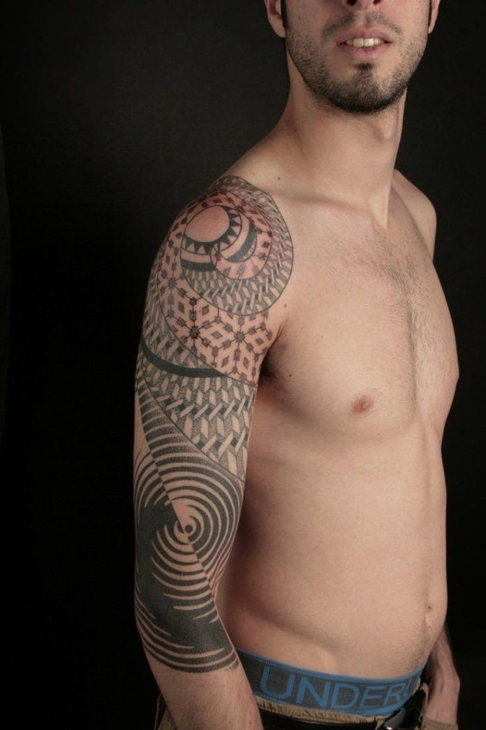Ripples, mandalas and optical illusions come together in this spiritual geometric tattoo by Nazareno Tubaro