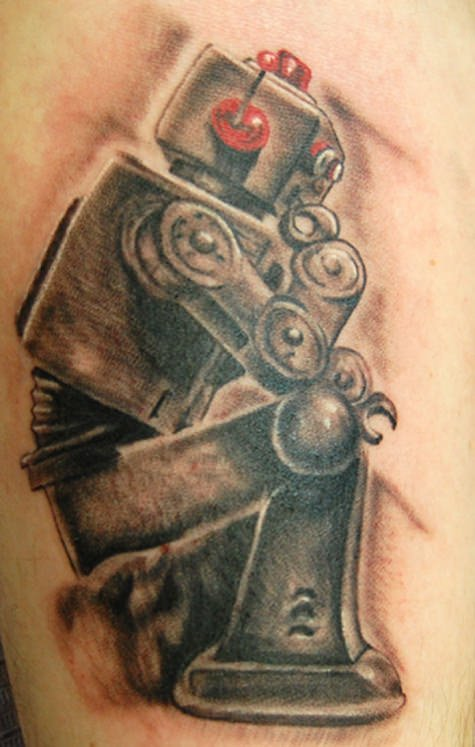 Tattoo artist Trent Edwards mimics Rodin's famous sculpture The Thinker in this funny robot tattoo