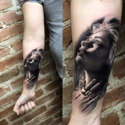 A beautiful girl clutches her throat in fear in this photo realistic horror tattoo by Jefree Naderali.