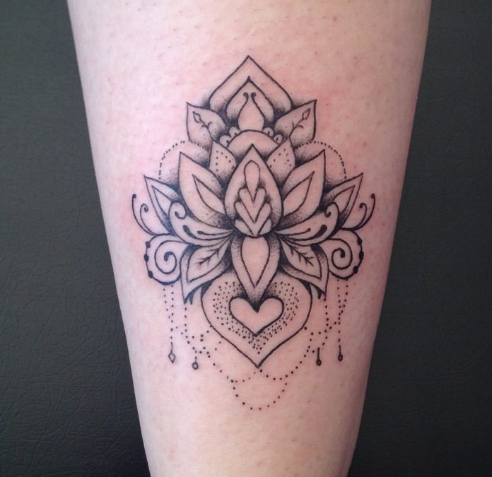 Tattoo artist José Audi has placed this beautiful lotus flower on top of a heart to symbolise both the tattoo owner's heart and spirit