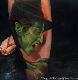 Tattoo artist Vic Vivid has tattooed the Wicked Witch of the West from The Wizard of Oz, complete with green skin and sharp claws